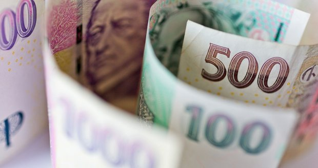 Peníze (ilustrační)