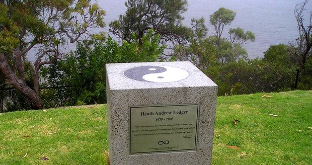 Pomník Heatha Ledgera