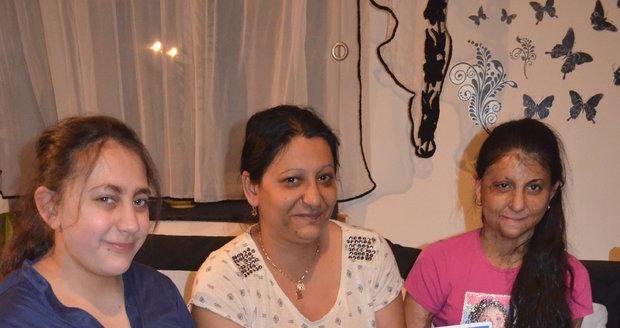Pavlínka, maminka Anna a Natálka Sivákovy se těší na sobotní volbu Miss Gypsy 2019 v Ostravě.