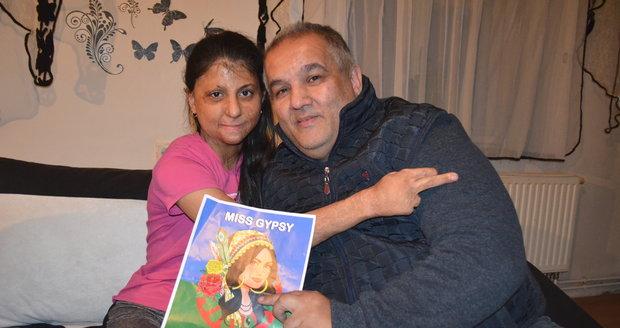 Natálka s předsedou olašských Romů Josefem Stojkou, který pro ni uspořádal volbu miss.