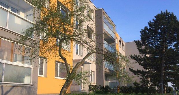 Nedostatek bytů vyřešili v Horních Počernicích nikoliv novou zástavbou, ale vestavbou půdních bytů. (ilustrační foto)