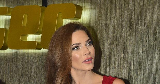 Andrea Verešová se ke kauze kolem svého manžela vyjadřovat nechtěla, na dotazy Blesku nereagovala.