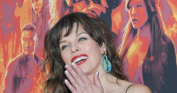 Milla Jovovich na premiéře Hellboye