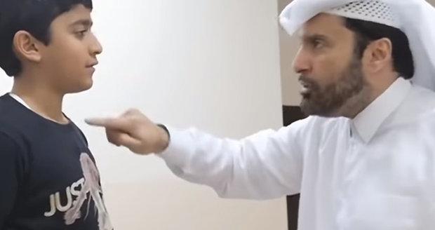 """Sociolog učil muslimy, jak mlátit manželky. """"Ať pocítí vaši sílu, ale ne pěst"""""""