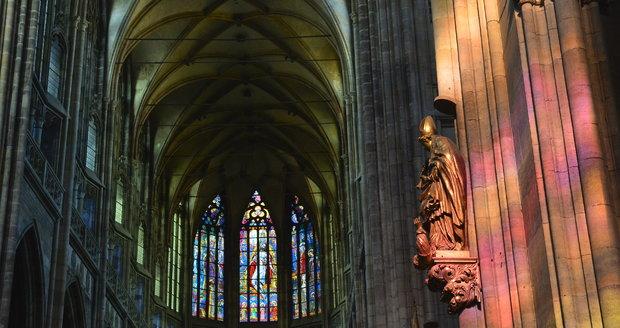 V chrámu sv. Víta se sloužila mše za oběti heydrichiády. (ilustrační foto)