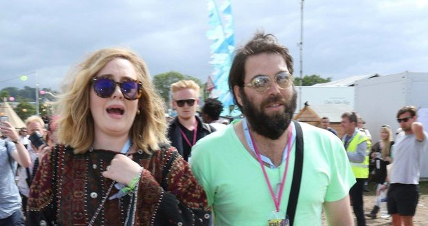 Manželé Adele a Simon