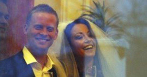 Agáta Prachařová zasypala svůj profil na instagramu fotkami a statusy, z nichž je patrné, že se v jejím manželství s Jakubem něco děje.