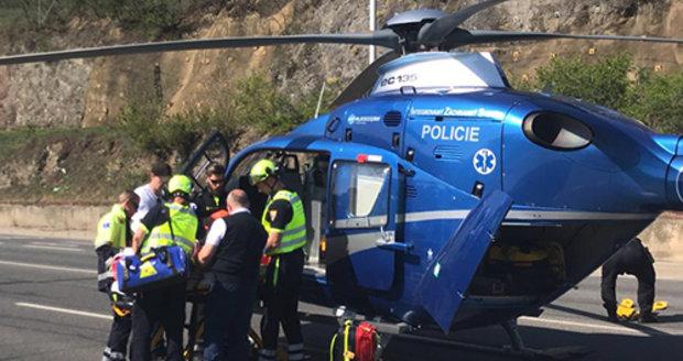 V Podbabě havaroval důchodce (80) na tříkolce. Přiletěl pro něj vrtulník