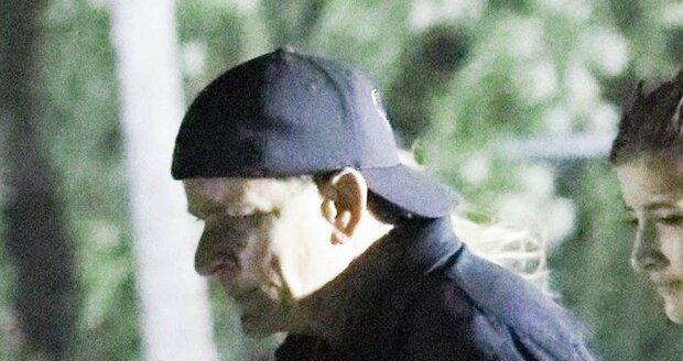 HIV pozitivní Charlie Sheen za poslední týdny dost sešel.