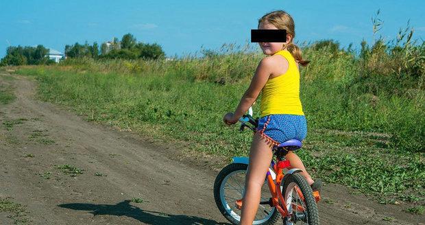 Malou cyklistku (10) v Lovosicích srazilo auto, utrpěla vážná zranění