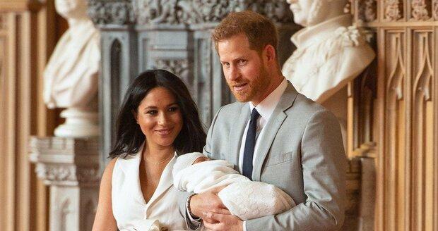 Meghan s Harrym ukázali dítě královně
