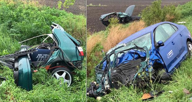 Na Olomoucku se srazila čtyři auta. Otřesné následky: Tři mrtví, pět zraněných