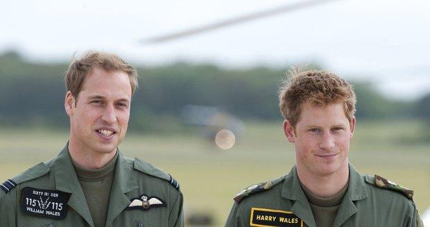 William i Harry mají za sebou výcvik u britského letectva