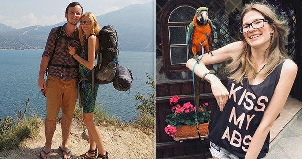 Veronika nejradši cestuje stopem. O svých cestách píše blog