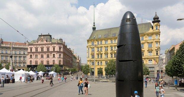 Brněnské náměstí Svobody s orlojem