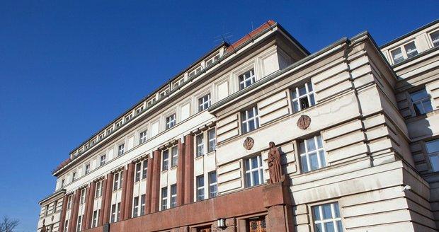 Budova vrchního soudu a vrchního státního zastupitelství v Praze