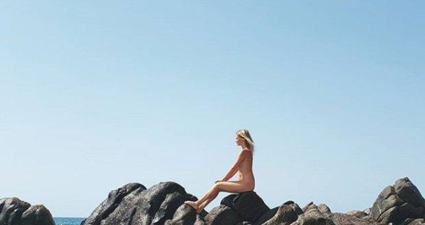 Zcela nahá Helena Houdová přiznala, že tančila s dalšími nahými ženami za úplňku v džungli.