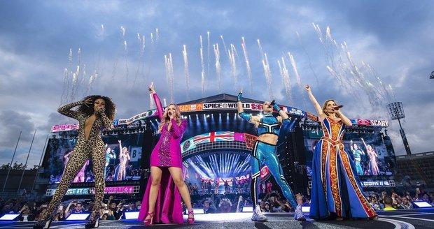 Velkolepý návrat Spice Girls se nesetkal s úspěchem.