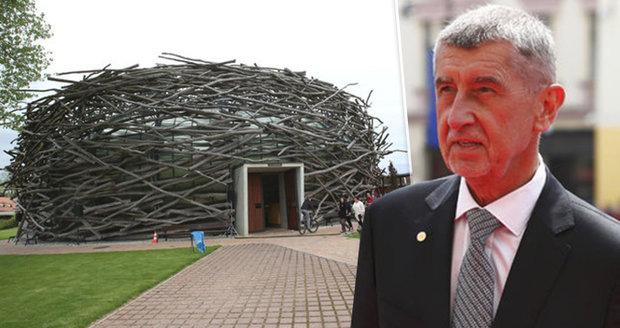 Policie znovu nedotáhne kauzu Čapí hnízdo včas. Žádá další prodloužení vyšetřování
