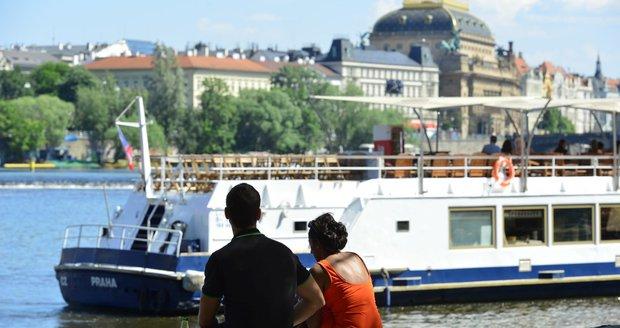 Praha se bude smažit ve vlastní šťávě! O víkendu teploty stoupnou až na 36 stupňů