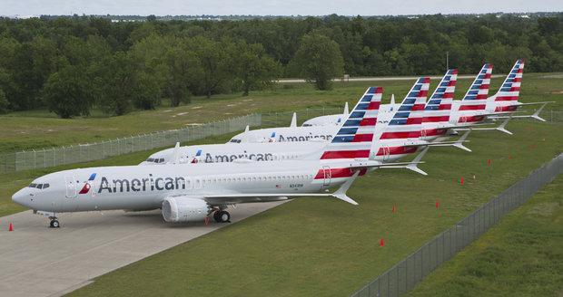 Desítky Boeingů 737 nesmí do vzduchu: Praskliny na uchycení křídel!
