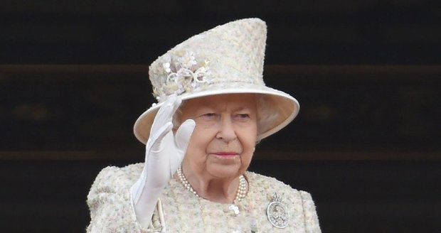 Královna Alžběta II. překazila plán Johnsona? Brexit bez dohody zakazuje zákon