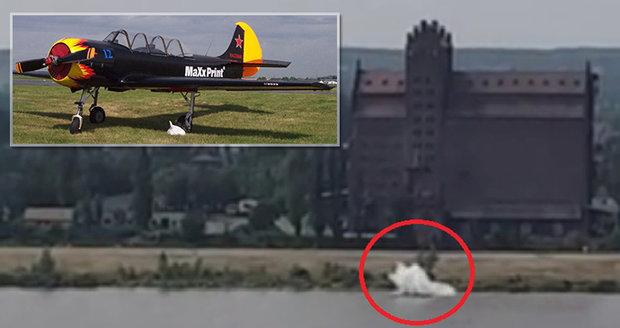 Tragédie na leteckém dni: Pilot před diváky umíral v řece, nebylo to poprvé