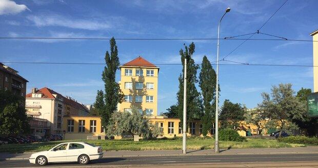 V ulici Jana Želivského začne rekonstrukce. Bude se opravovat úsek mezi Basilejským náměstím a Ohradou.