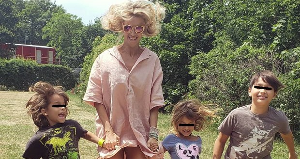 Helena Houdová a její tři děti