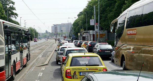 Evropskou čeká oprava, řidiči se musí připravit na omezení a kolony.