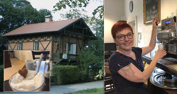 Eva (52) mohla přijít o ruku. Tetovaná kavárnice z Letné dnes pomáhá handicapovaným