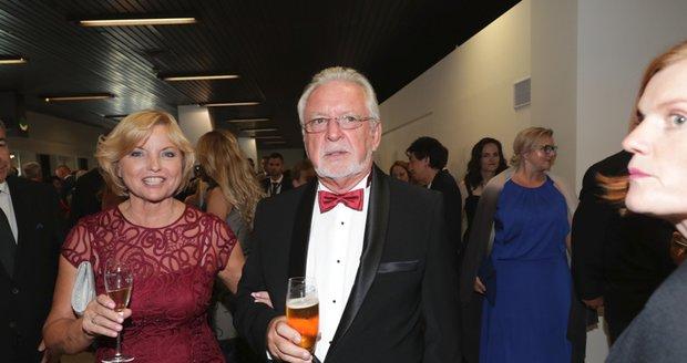 Jaromír Hanzlík s partnerkou Lenkou