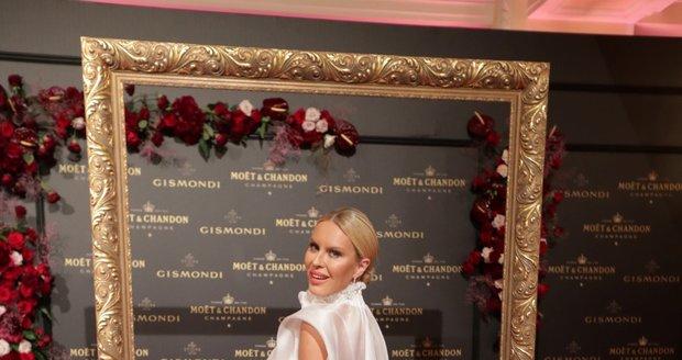 Moët party ve Varech: Simona Krainová