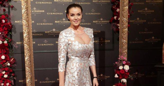 Moët party ve Varech: Iva Kubelková