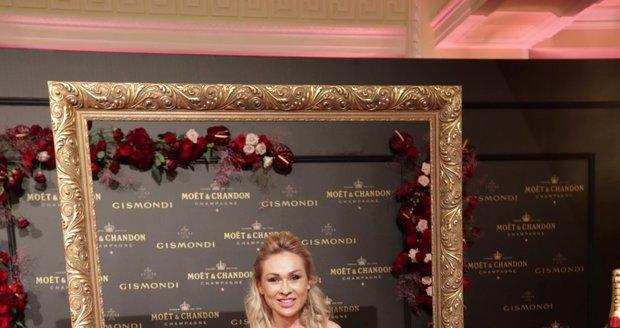 Moët party ve Varech: Kateřina Kaira Hrachovcová