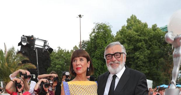 Jiří Bartoška s manželkou Andreou na závěrečném ceremoniálu KVIFF 2019.