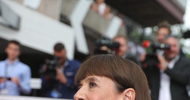 Andrea Bartošková na závěrečném ceremoniálu KVIFF 2019.