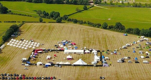Letecké záběry ze swingers festivalu Swingfields.