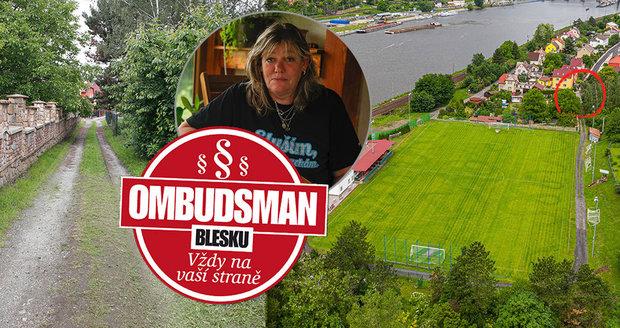 Paní Švarcbachová si neví rady. Její pozemek užívá fotbalový klub.