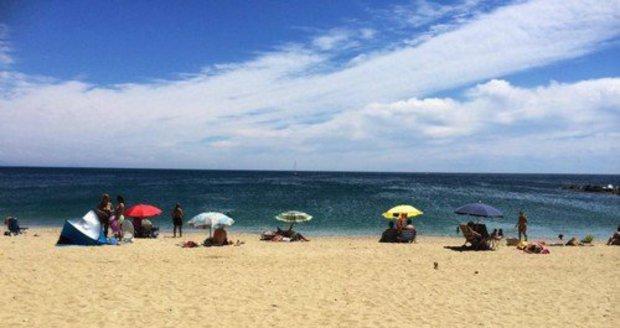 Smrt české turistky ve Španělsku: Zabil ji zpětný proud, další Češi měli také potíže