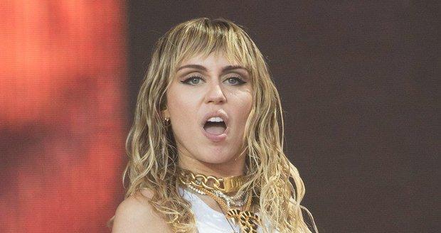Miley Cyrusová na koncertě