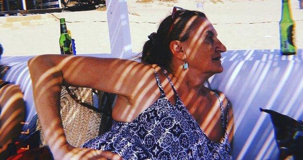 Eva Holubová na dovolené na Sicílii
