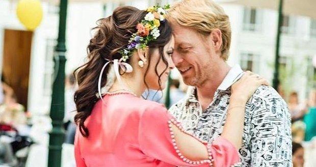 Karel Janeček s Lilií oslavili dvoje narozeniny a jedny zásnuby najednou.