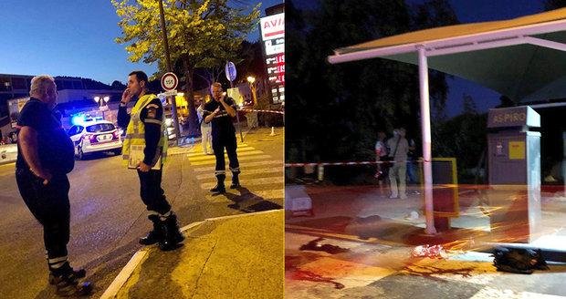 Krveprolití na benzince stálo život turistku (†57) a dva mladíky (†29 a †30): Manžel (58) je ve vážném stavu