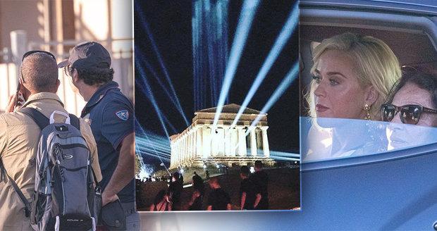 Na tajné akci Googlu na Sicílii byl i bosý princ Harry. Policie hnala lidi od oken