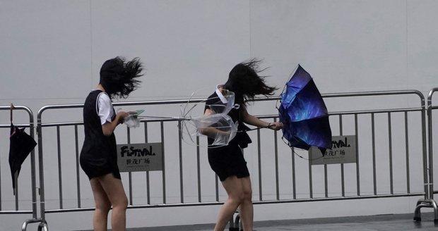 Tajfun Lekima si v Číně vyžádal 44 obětí. Další lidi pohřešují