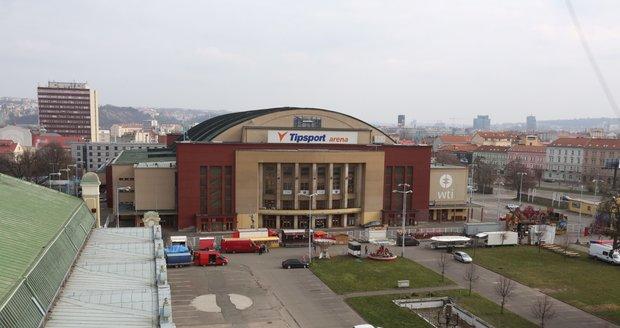 Průmyslový palác vyhořel v roce 2008.