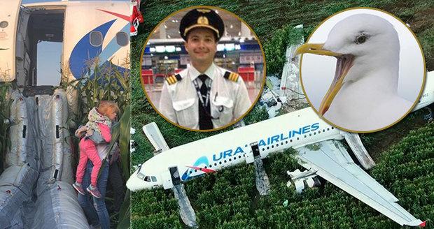 """Kluk z letadla v kukuřici: """"Byla panika, všichni křičeli."""" Putin ocenil hrdiny"""