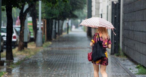 Většinu týdne bude zataženo až oblačno, výjimkou nebude ani déšť nebo bouřky. Sledujte radar
