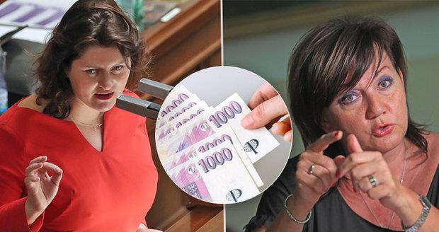 Vláda škrtá 3000 úřednických míst, nejvíc u Schillerové. Masivně propouští i pošta
